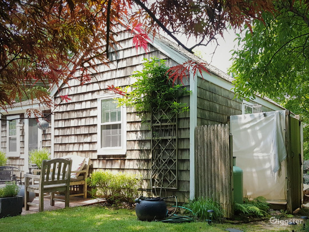 Classic Hamptons cedar cottage by the bay Photo 5