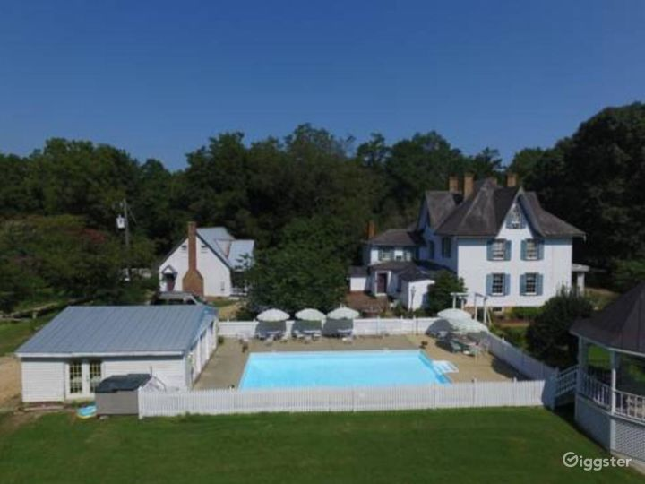 In-ground Pool Photo 3
