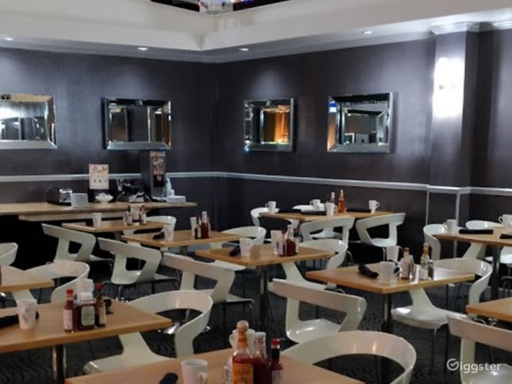 A Modern Hotel Dining Space in Sunnyvale Photo 3