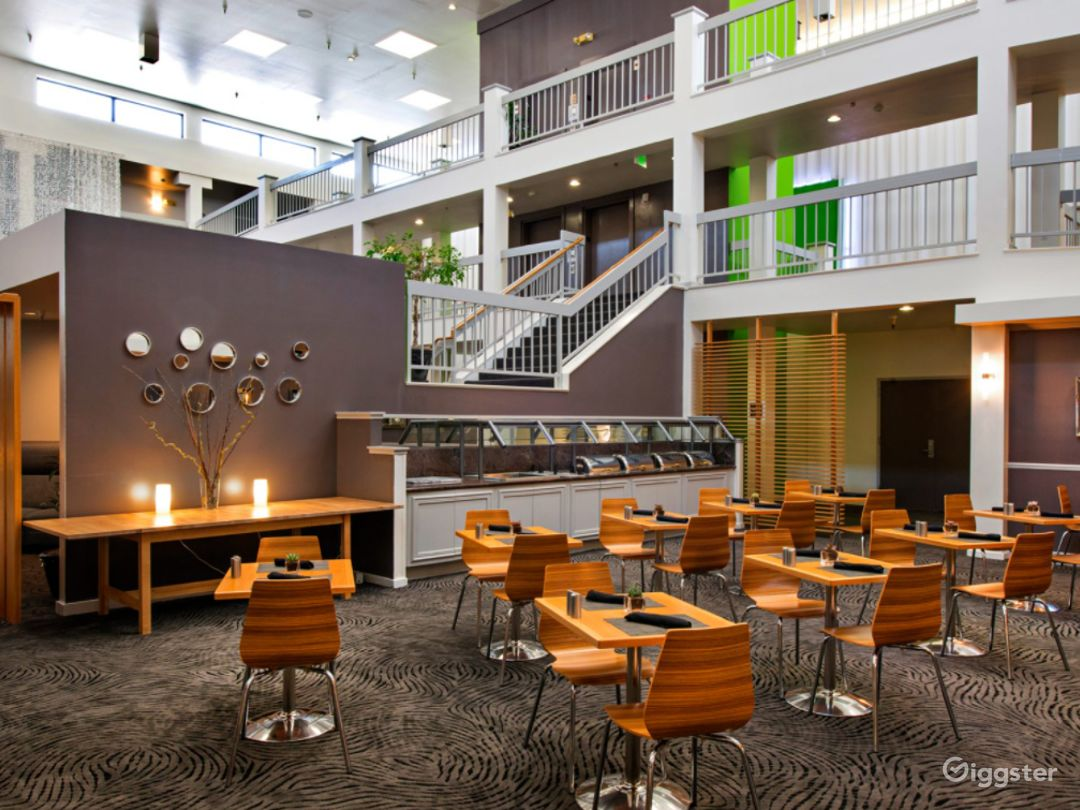 A Modern Hotel Dining Space in Sunnyvale Photo 1