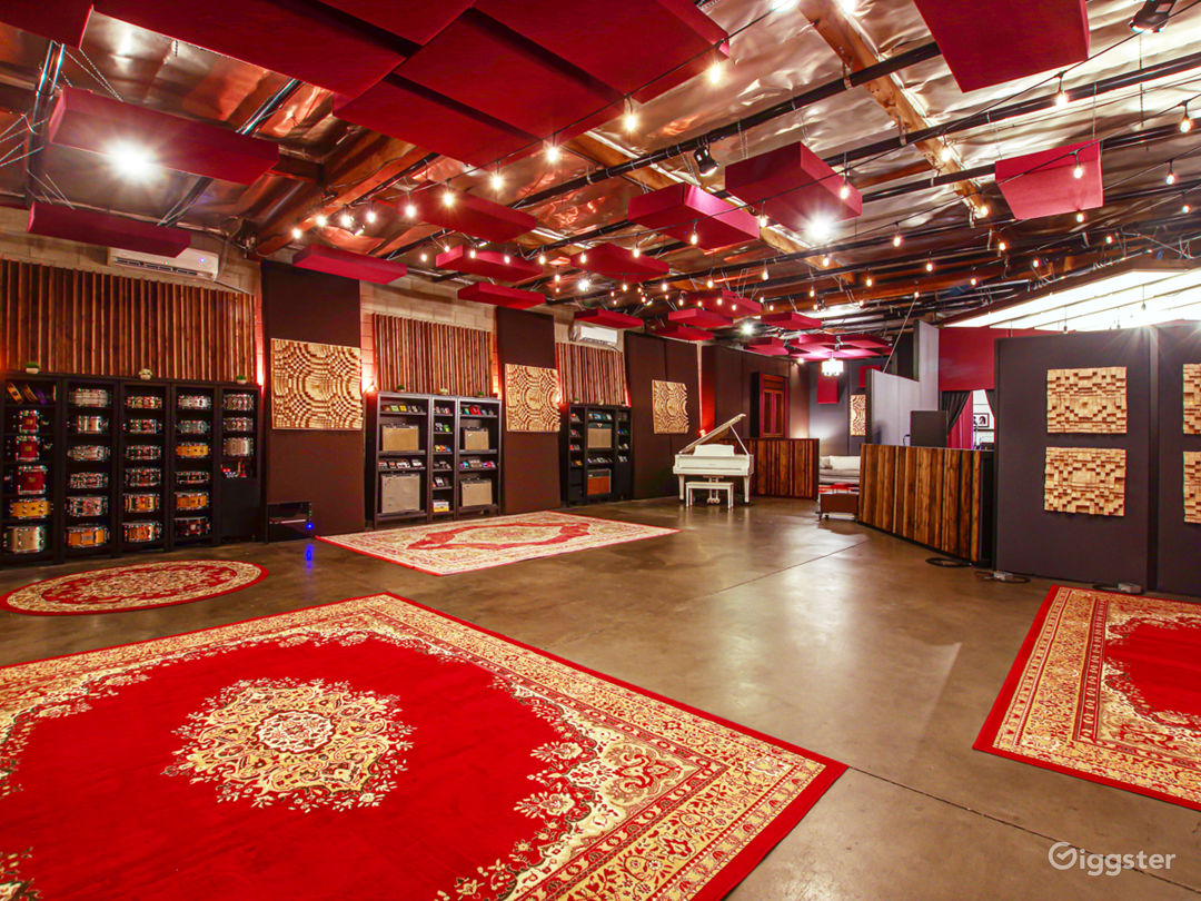 Luxury Sound Stage / Recording Studio Photo 1