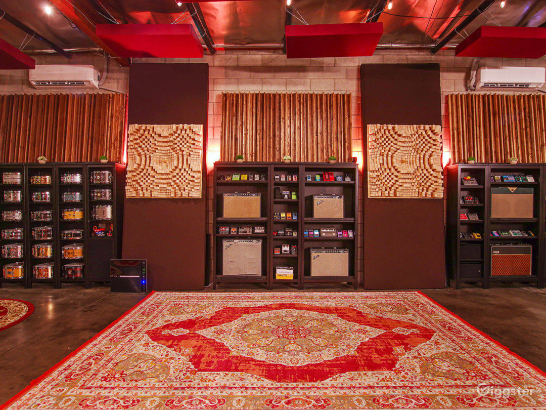 Luxury Sound Stage / Recording Studio Photo 2