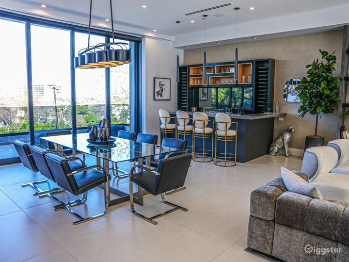 Modern Luxury Mansion Photo 4