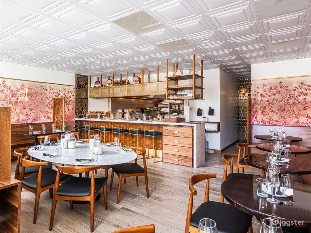 Glowing + Intimate Hong Kong Restaurant in Washington Photo 1