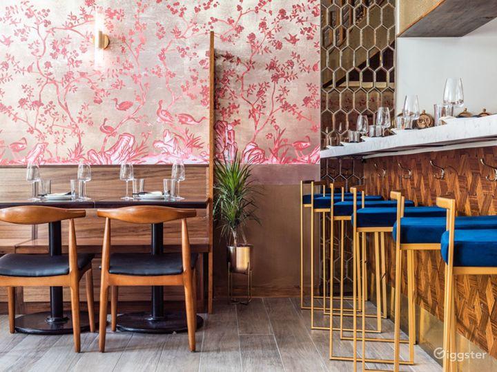 Glowing + Intimate Hong Kong Restaurant in Washington Photo 2