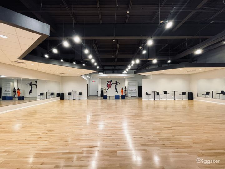Well-lit Ballroom Dance studio in Naperville Photo 3