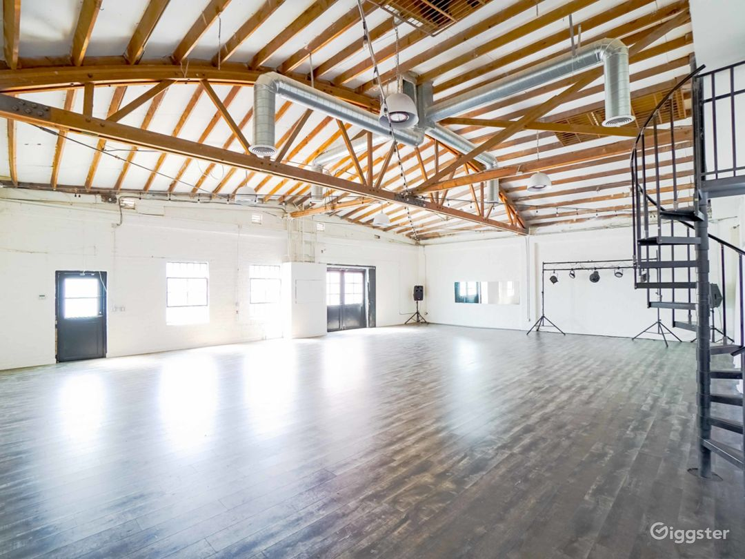 Multi-purpose industrial studio space in Hollywood Photo 2
