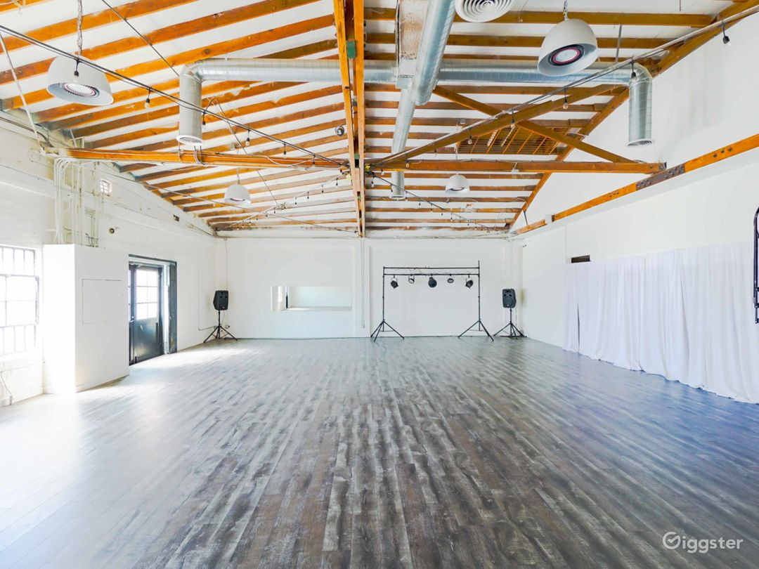 Multi-purpose industrial studio space in Hollywood Photo 3