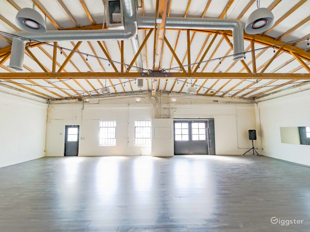 Multi-purpose industrial studio space in Hollywood Photo 1