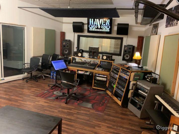 Professional Recording Studio w/Instruments&Mics Photo 2