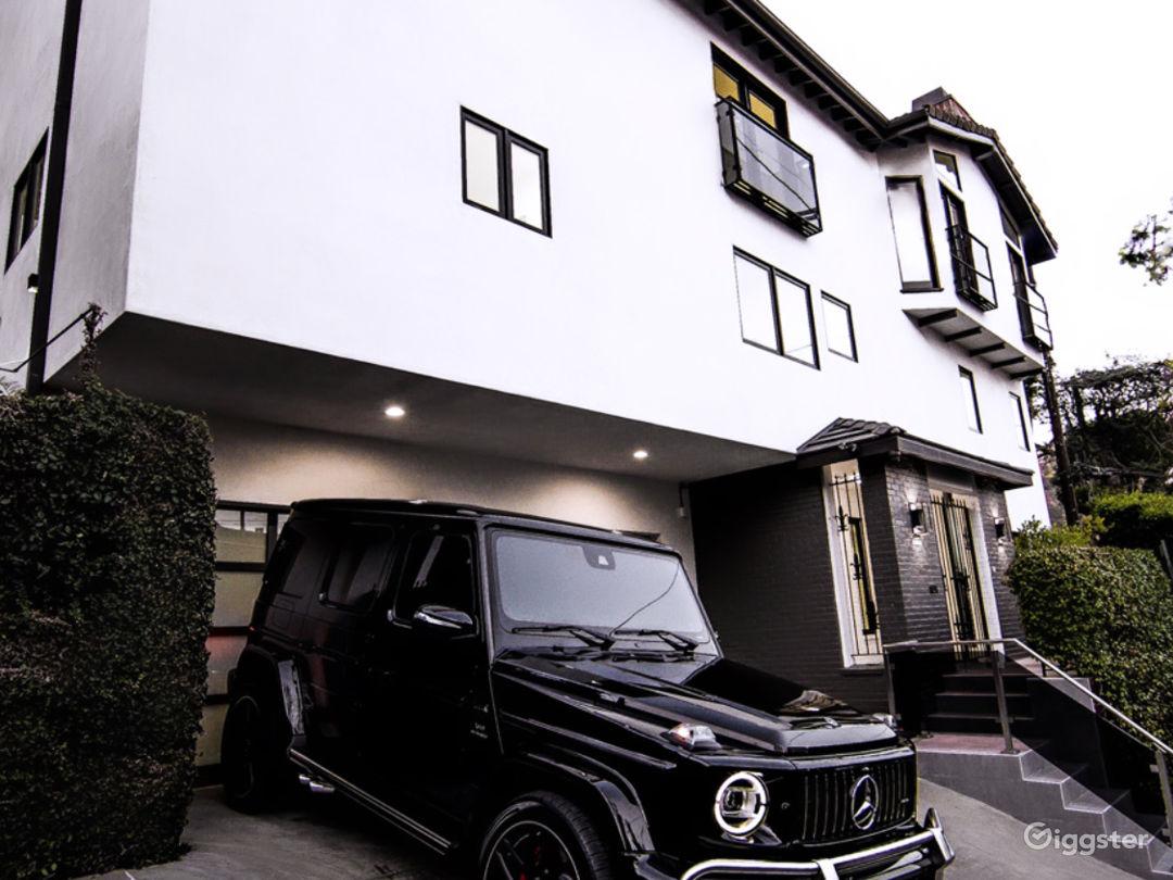 Beverly Hills Dream Home Photo 4