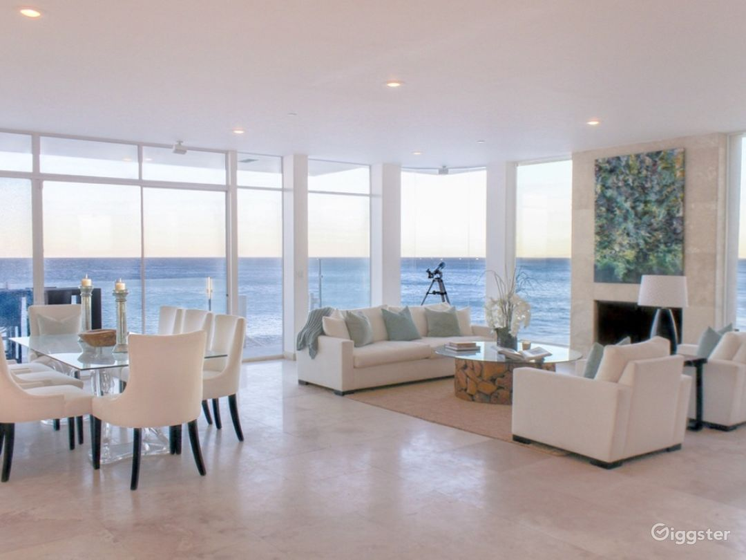 Exclusive Ocean Front Home on Private Beach  Photo 4