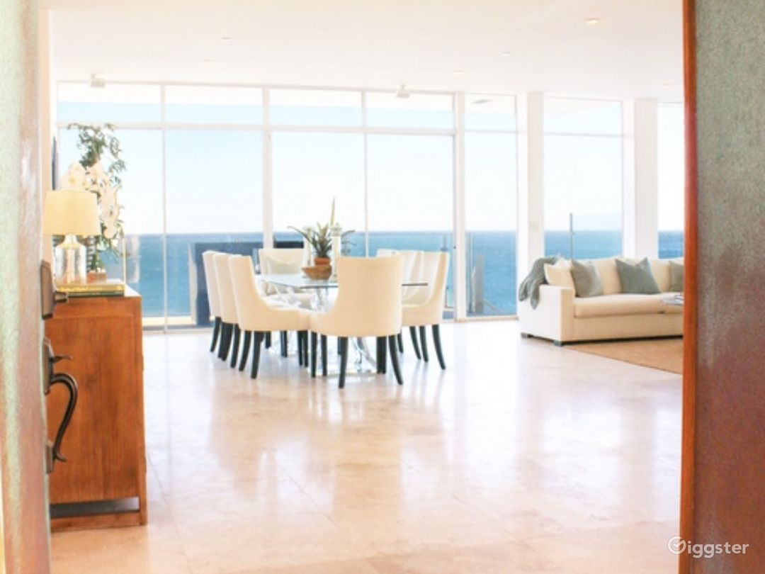 Exclusive Ocean Front Home on Private Beach  Photo 3