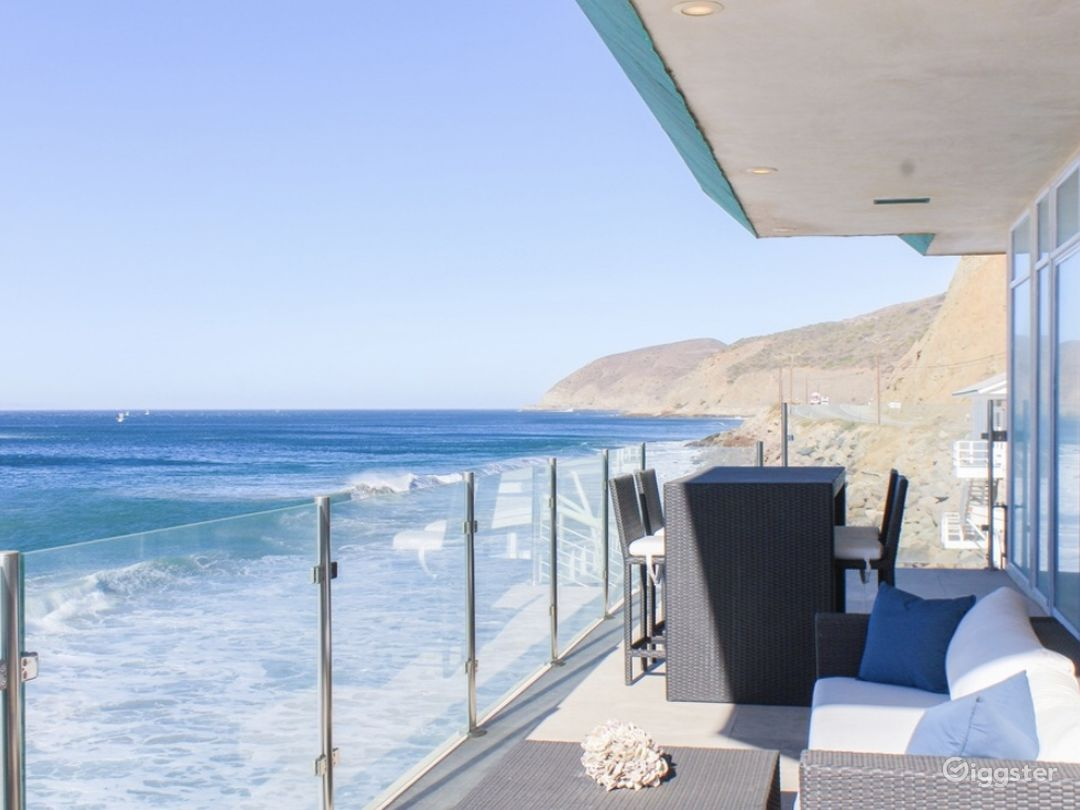 Exclusive Ocean Front Home on Private Beach  Photo 5