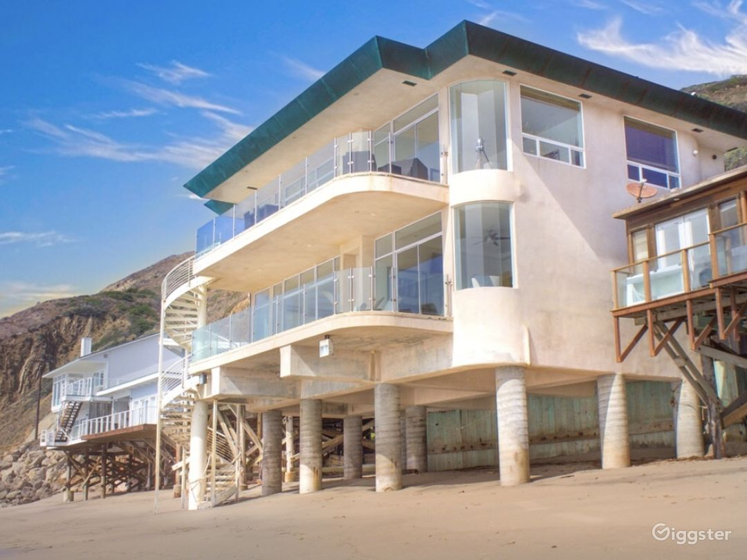 Exclusive Ocean Front Home on Private Beach  Photo 1