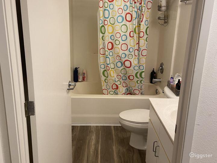 Full bathroom on second floor.