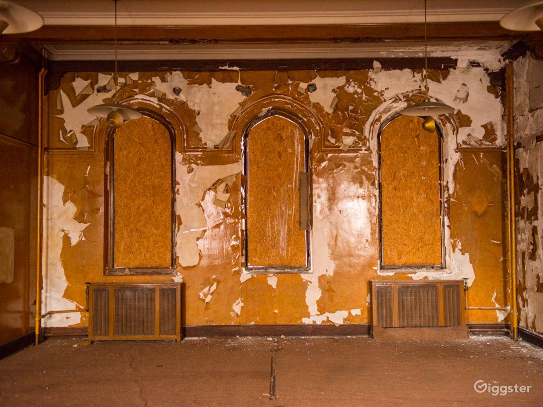 Vacant Mansion Photo 3