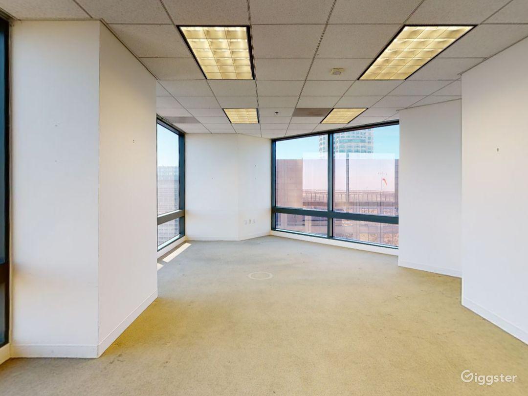 Floor 47 Photo 1