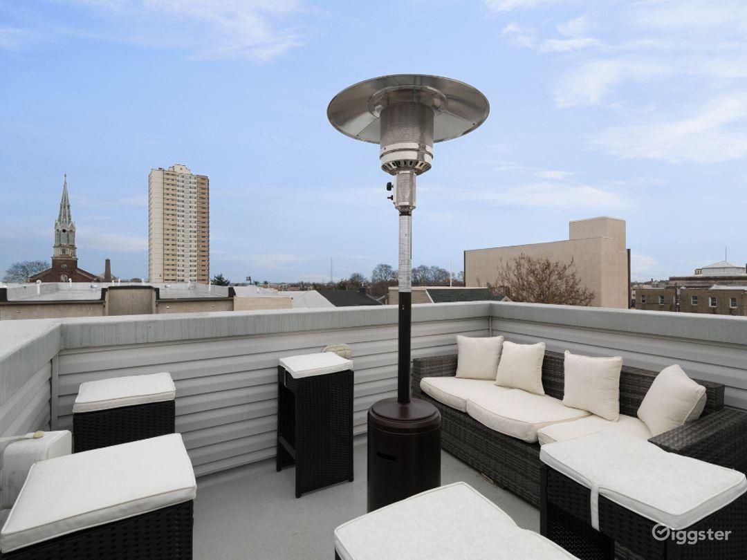 Urban Oasis w/ Roof Deck + 3 Showers + Boho Vibes! Photo 5