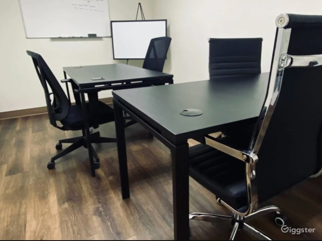 Intimate - Business Lounge - Meeting Space - Eastpointe MI Photo 1