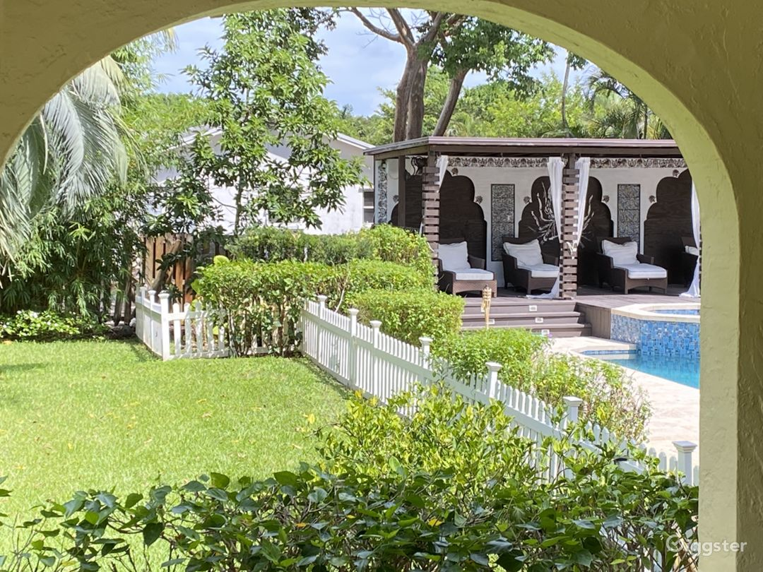 Serene Pool and Yard with a State of the Art Surround Sound Wonderful for Entreatment  or Relaxation