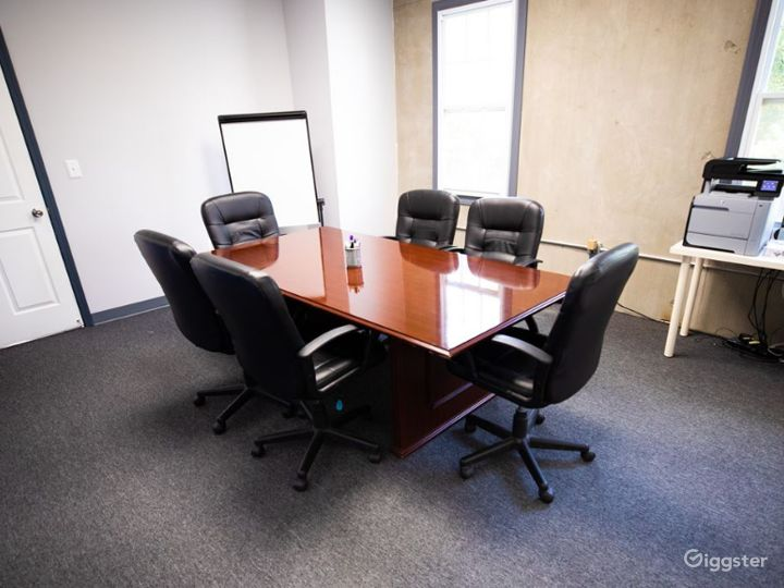 Cozy Conference Room for 6-8 People  Photo 5