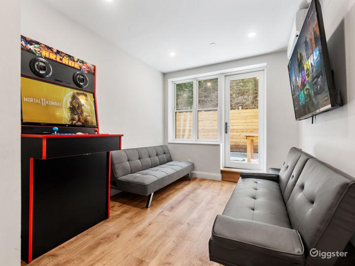 Modern Garden Level Apartment Photo 3