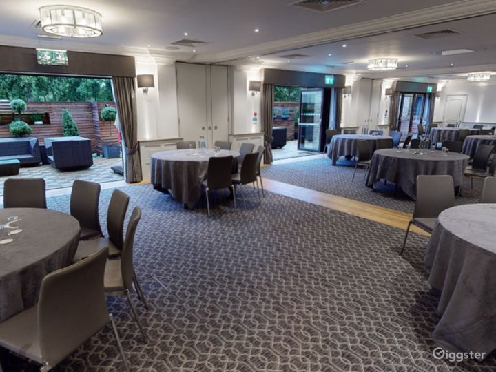 Large Event Space with Terrace Access in Oxford Photo 4