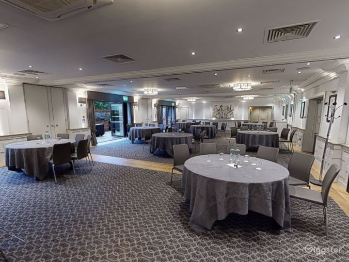 Large Event Space with Terrace Access in Oxford Photo 3