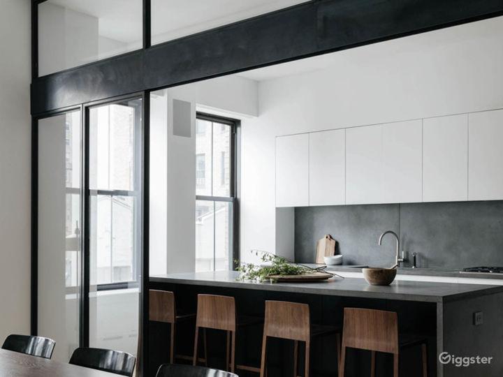 Contemporary/Mid-Century Luxury/Zen Bohemian Loft Photo 4