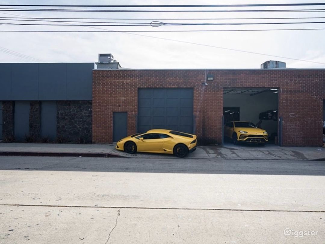 Graffiti Exotic Car warehouse Photo 5
