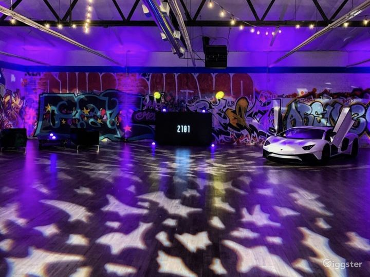 Graffiti Exotic Car warehouse Photo 4