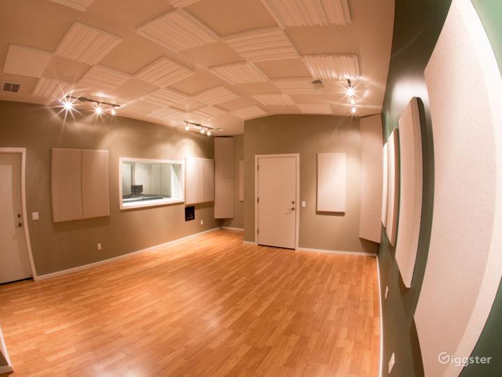 Recording Studio Live Room Photo 2