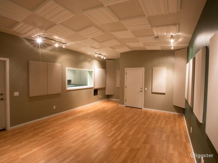 Recording Studio Live Room Photo 4
