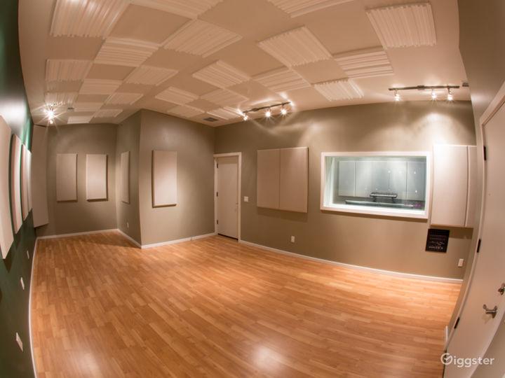 Recording Studio Live Room Photo 3