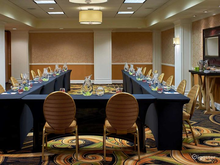 Extravagant Meeting Space Photo 4