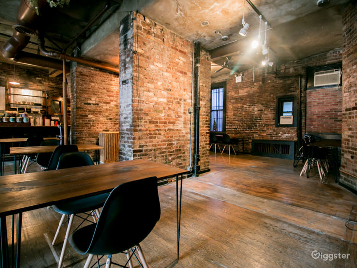 Exposed brick Multi-use Event/Shooting Space Photo 3