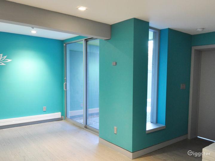 Modern Home with Yoga Studio and Wine Cellar Photo 5