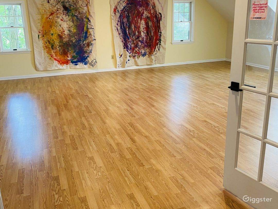 GALLERY SPACE...GREAT FOR MEDITATION OR PHOTO SHOOT