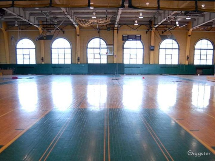 School basketball gym facility: Location 4244 Photo 4