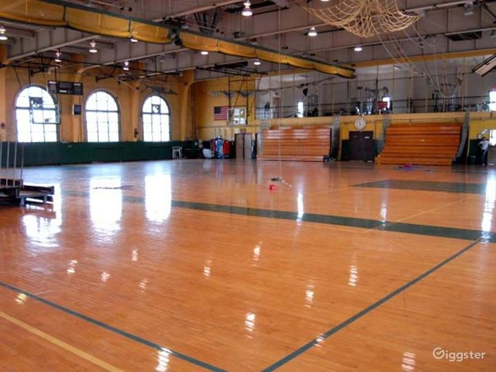 School basketball gym facility: Location 4244 Photo 5