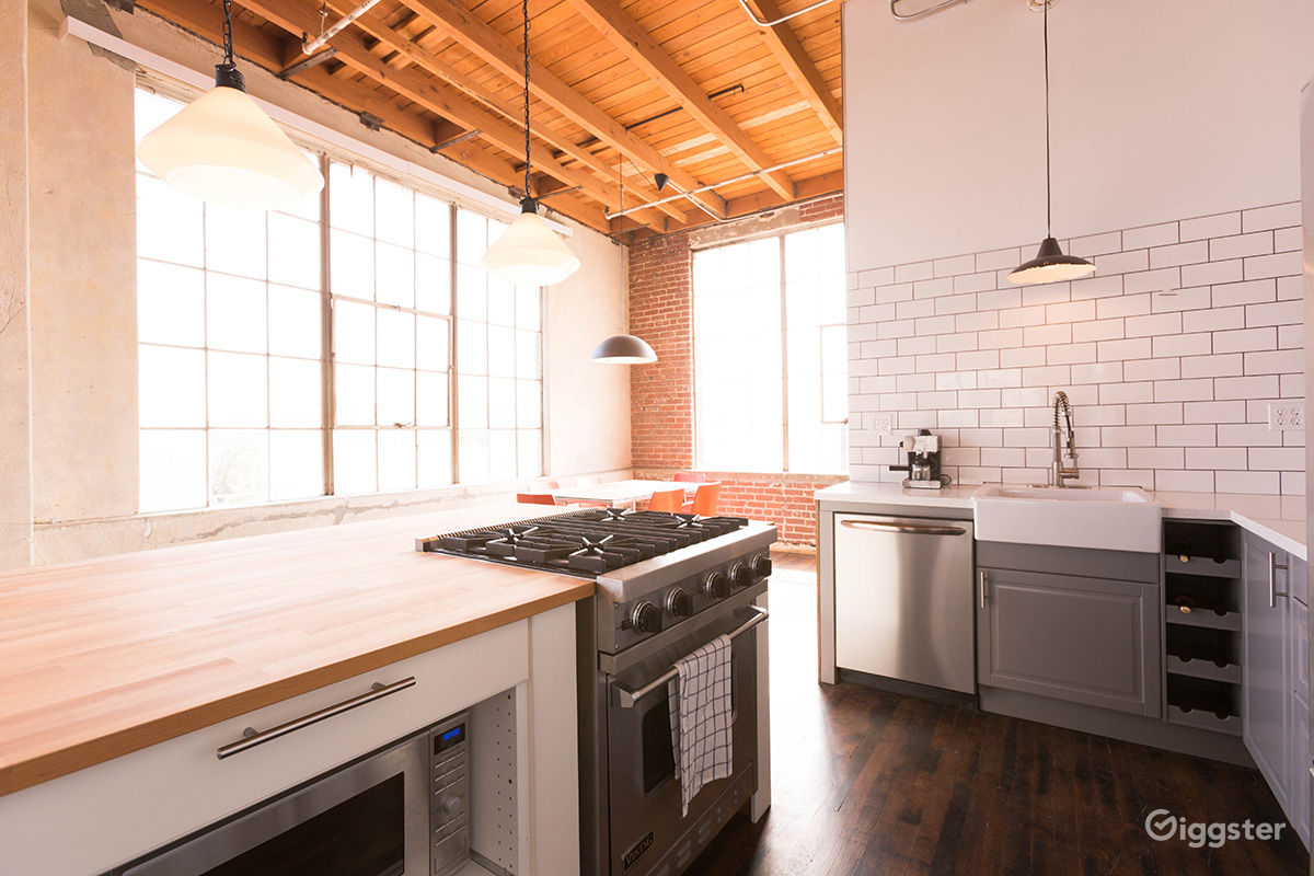 Rent The Office(commercial) NYC Looking Loft In South Los Angeles With A