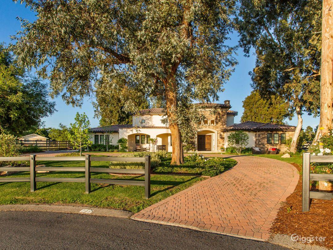 Mediterranean Villa in Thousand Oaks  Photo 3