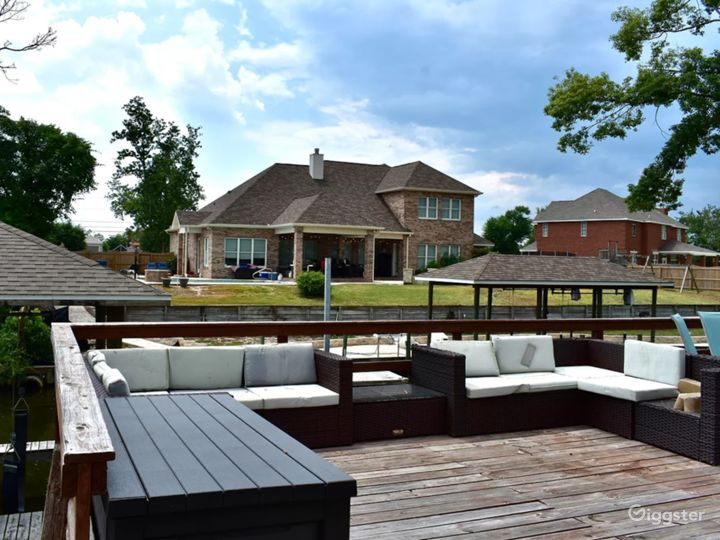 Waterfront Home Photo 3