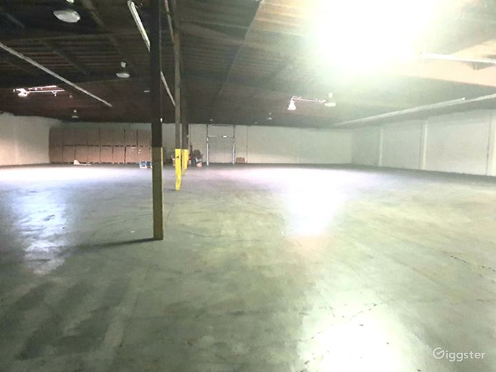 HUGE INDUSTRIAL WAREHOUSE 4 miles from DTLA Photo 5