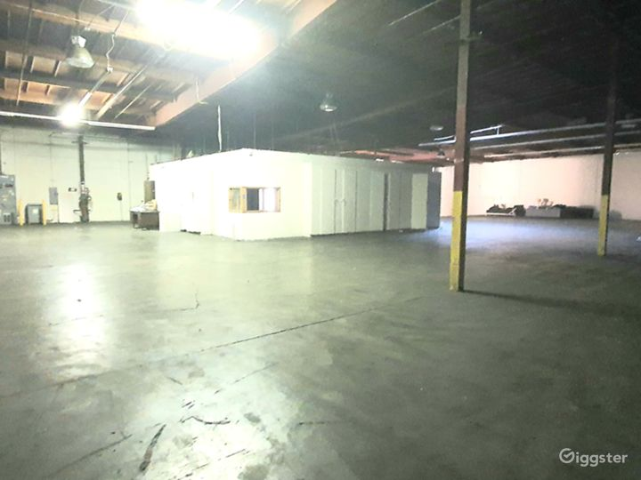 HUGE INDUSTRIAL WAREHOUSE 4 miles from DTLA Photo 4