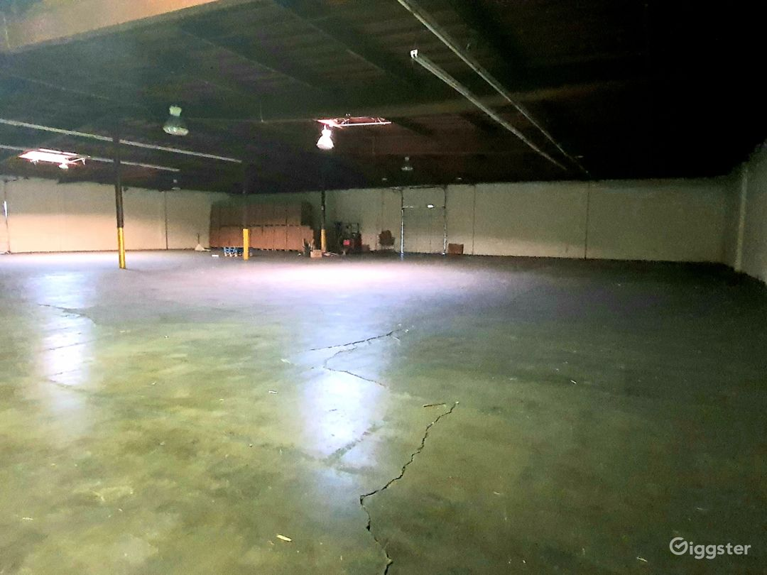 HUGE INDUSTRIAL WAREHOUSE 4 miles from DTLA Photo 1