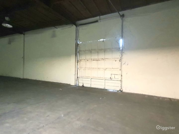 HUGE INDUSTRIAL WAREHOUSE 4 miles from DTLA Photo 3