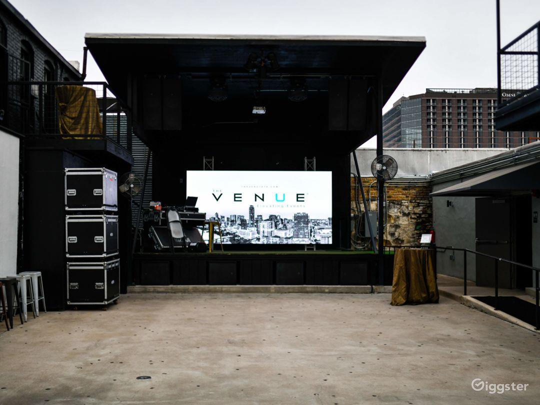 Historic 6th Street Live Music Venue Photo 2