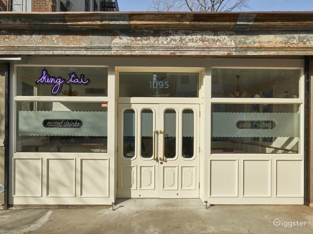 Bright Mid-Century / Deco Style Bar Photo 1